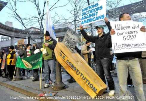 Protesters Find Common Ground: Tea Party & Occupy Movement Come Together in Worcester MA
